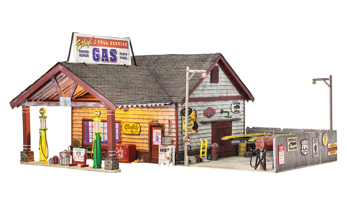 Woodland Scenics Ethyl's Gas & Service - O Scale