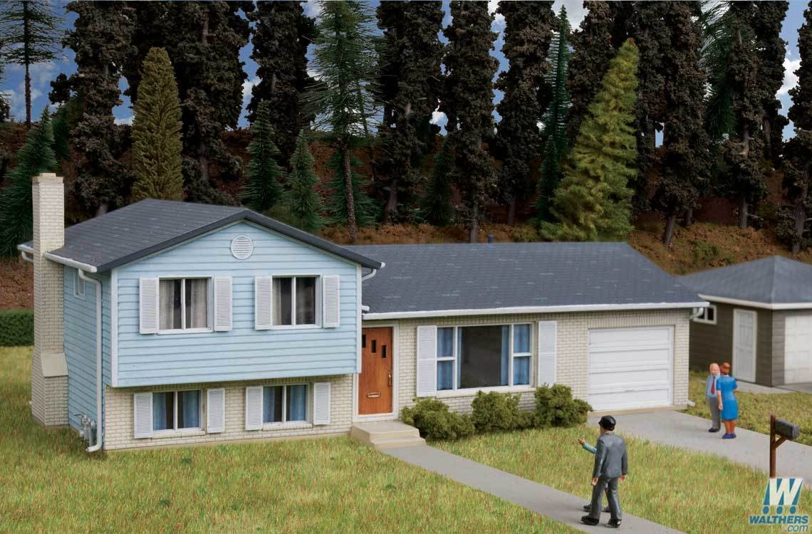 Walthers #933-3794 Split Level House - HO Scale Kit