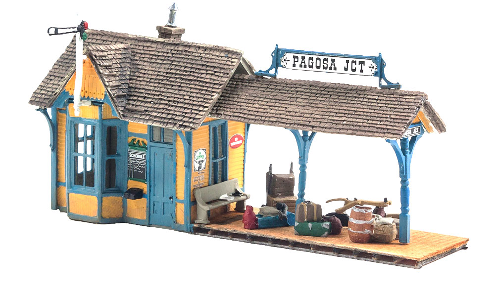 Woodland Scenics Flag Depot - HO Scale Kit