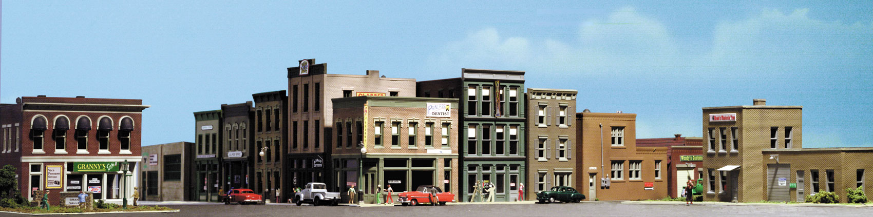Woodland Scenics City & Industry Building Set™ - HO Scale Kits