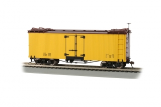 Bachmann On30 Reefer Box Car - Yellow with Brown Roof