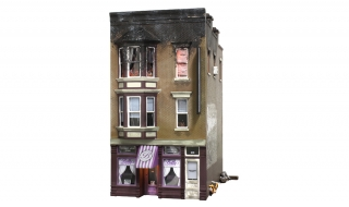 Woodland Scenics Betty's Burning Building - HO Scale